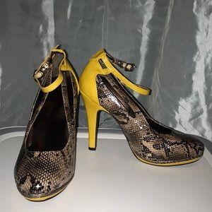 Mark. heels ‼️NEW‼️